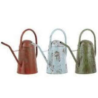 VINTAGE WATERING CAN M ASS